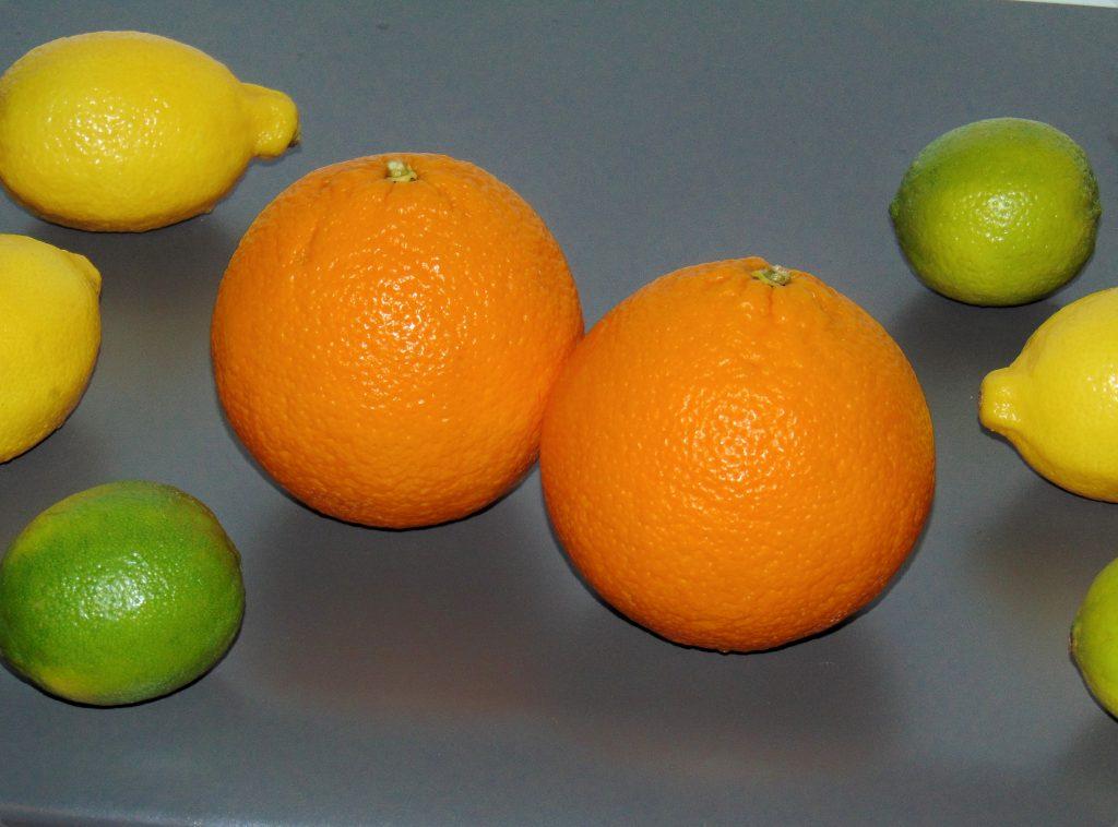 Cytrusy nastole: pomarańcza, cytryna, limonka.